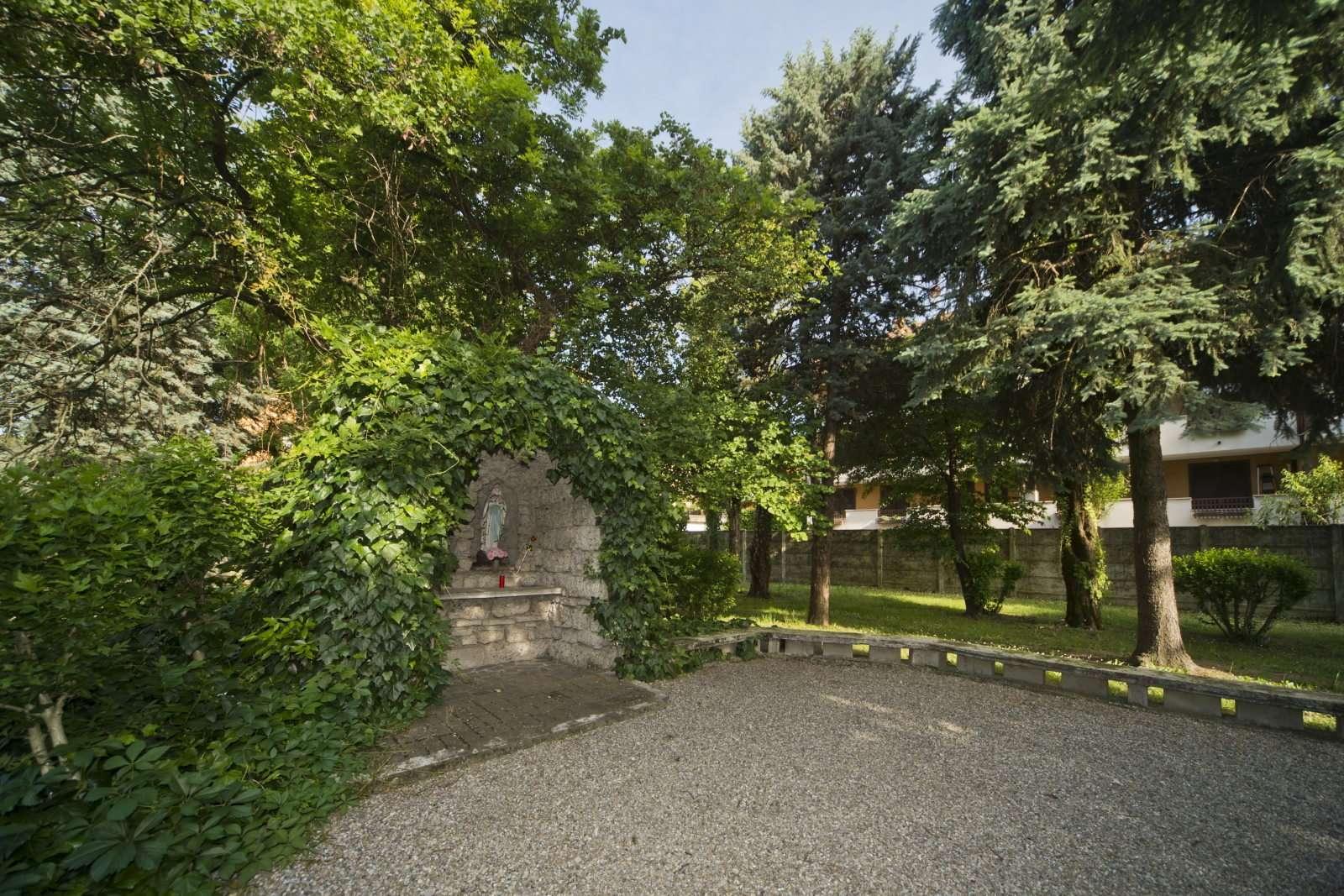 038 D4C 5583 Ridotte - Scuola Materna Peschiera Borromeo