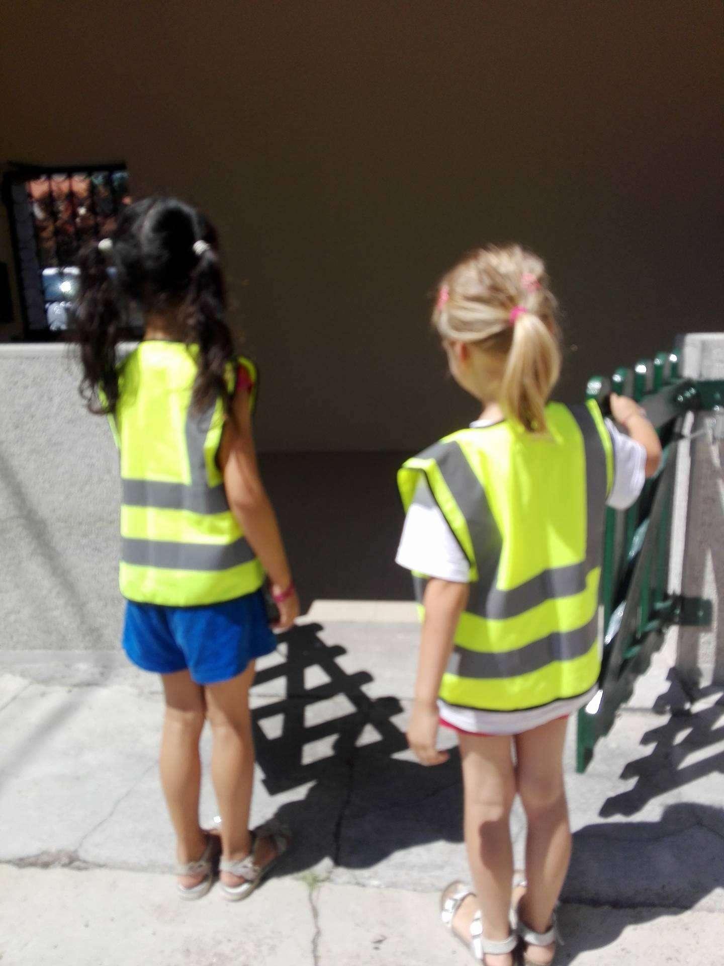 Nuove pettorine per uscite e gite - Scuola Materna Peschiera Borromeo